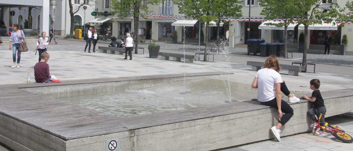 Wellenbrunnen und Wasserwand Starnberg
